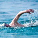 Польза и возможный вред плавания