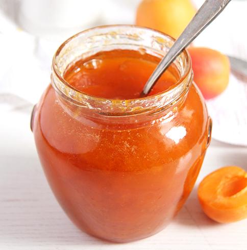 Свежее абрикосовое варенье