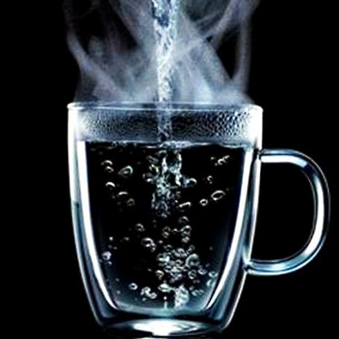 Стакан горячей воды