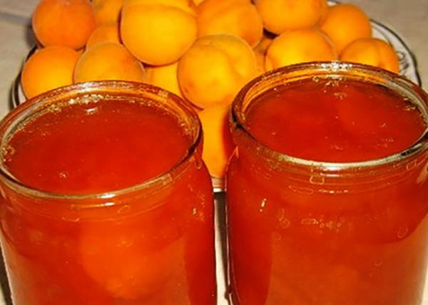 Готовое абрикосовое варенье