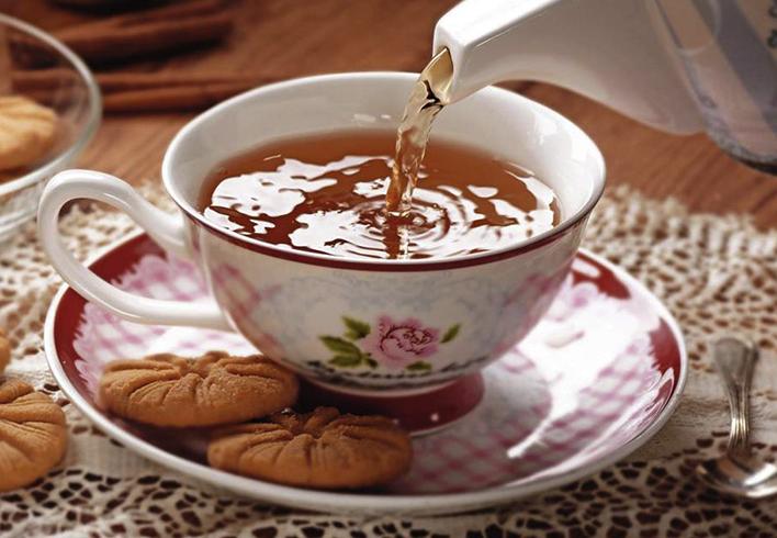 Наливание чая