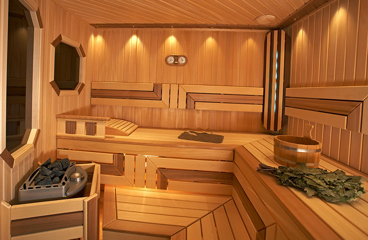 Внутри современной бани