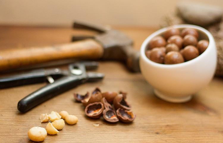 Перед употреблением орехов