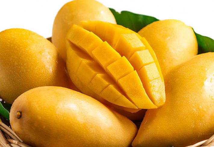 Свежие манго