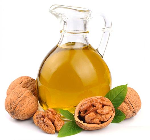 Свежее масло грецкого ореха