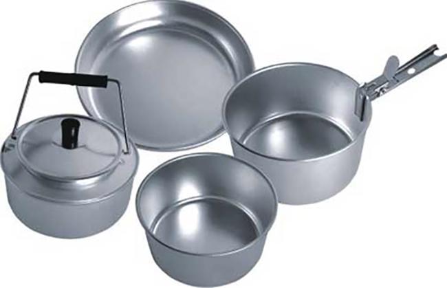 Много посуды из алюминия