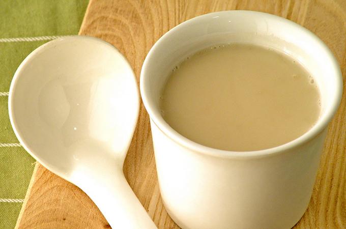 Кружка с топленым молоком