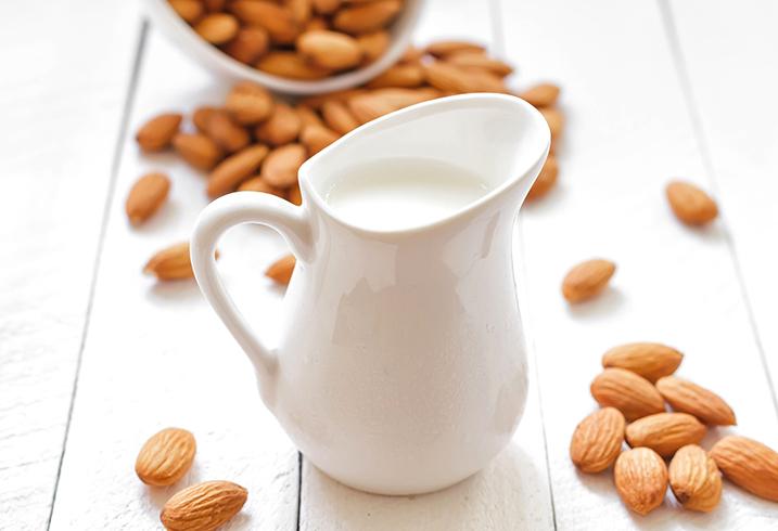Молоко миндальное