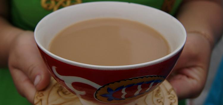 Подача калмыцкого чая