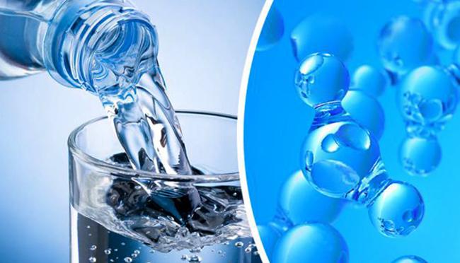 Свежая водородная вода