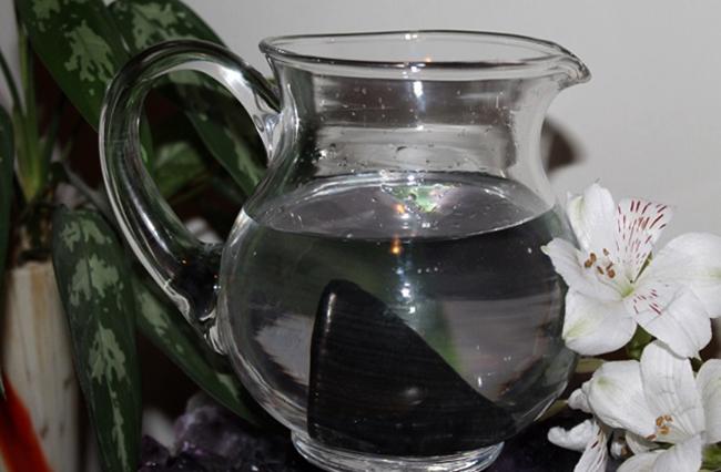 Вода в графине
