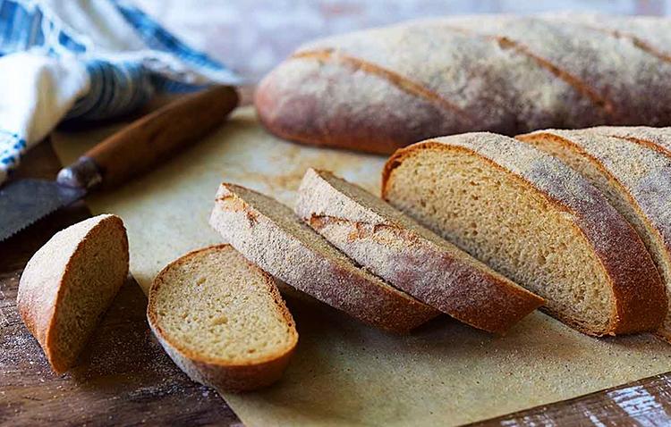 Батоны цельнозернового хлеба