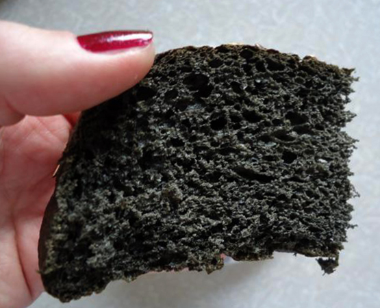 Хлеб в руках