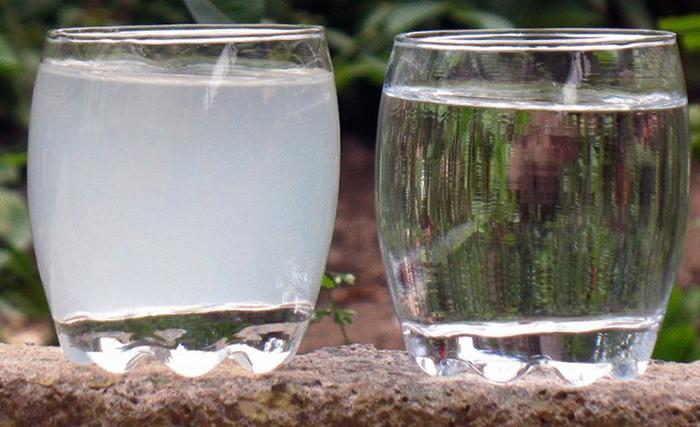 Известковая вода и обычная вода