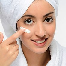 Глицерин для кожи лица: полезные свойства и вред