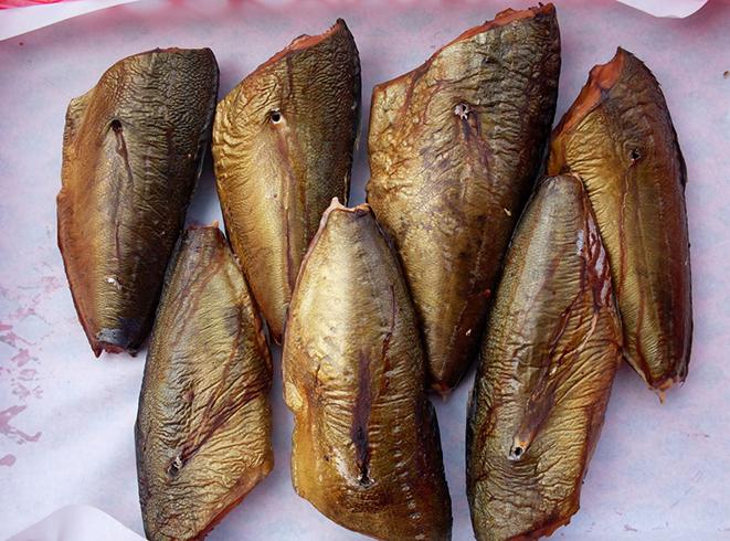 Копченая рыба саворин