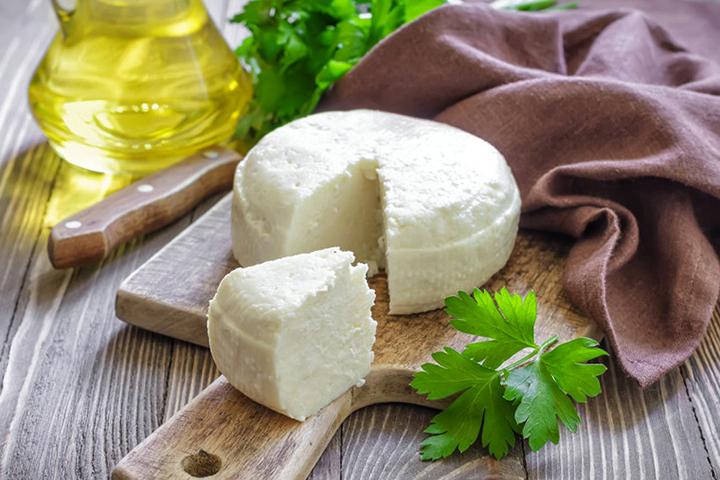 Круглый адыгейский сыр