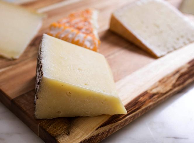 Куски сыра