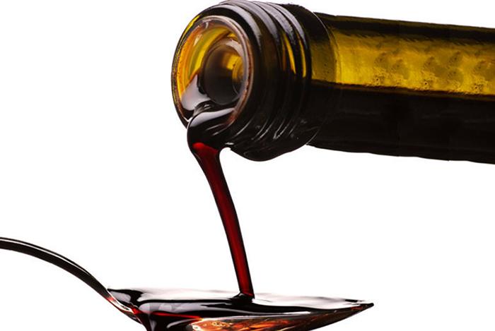 Ложка виноградного уксуса