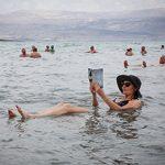 Купание в мертвом море: чем полезно и чем вредно
