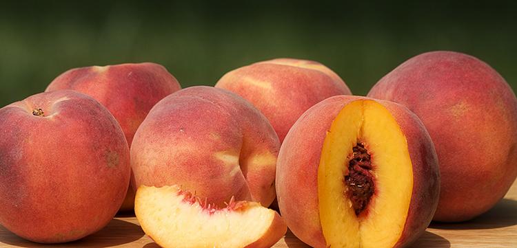Свежие персики
