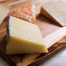 Чем полезен и вреден овечий сыр