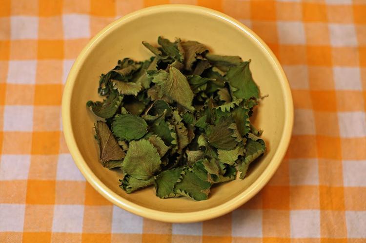 Сушенные листья земляники