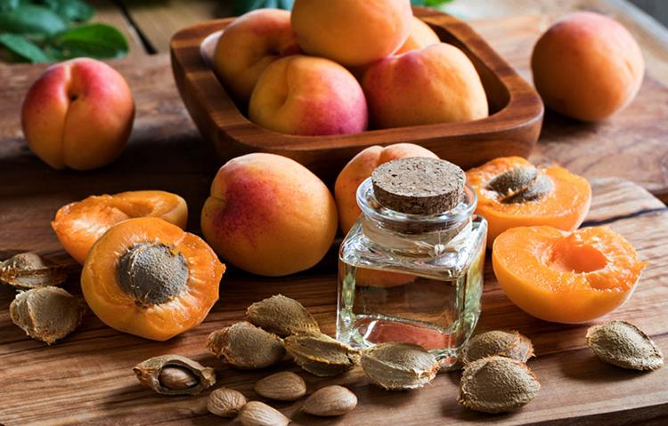 Свежее масло абрикоса