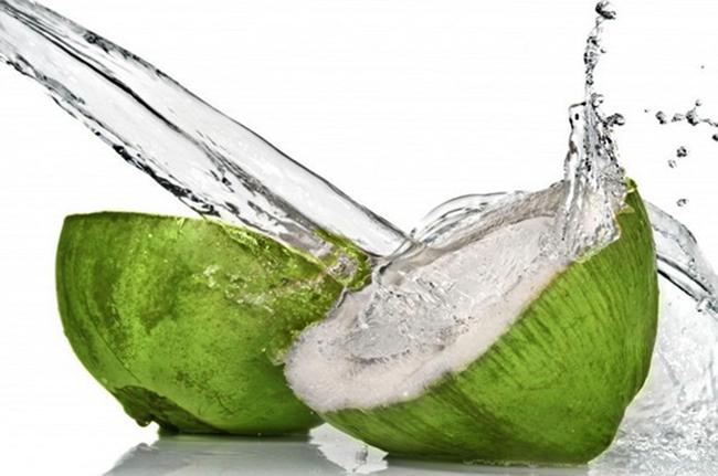 Вода кокосовая