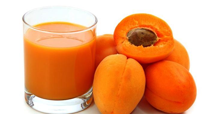 Свежий абрикосовый сок