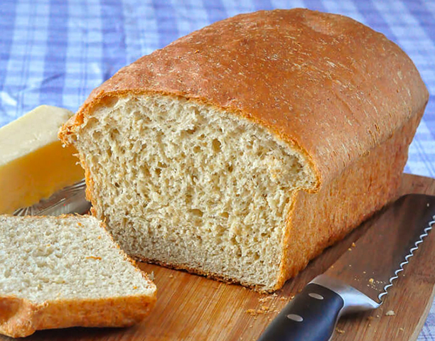 Свежий хлеб с отубями