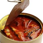 Польза и вред кильки в томатном соусе