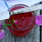 Варенье из лепестков роз: полезные свойства и вред
