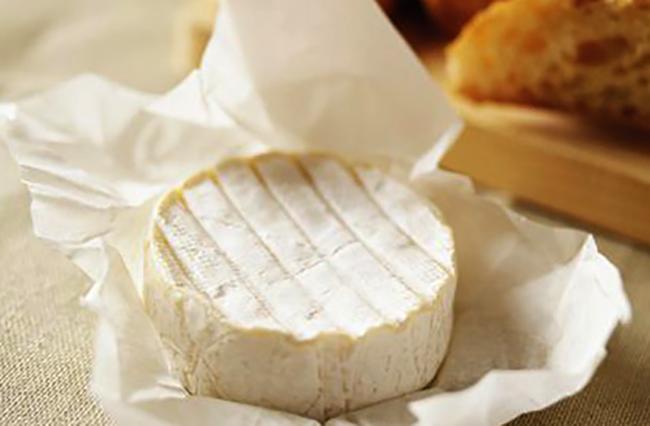 Круглый сыр бри