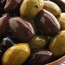 Что более полезно оливки или маслины?