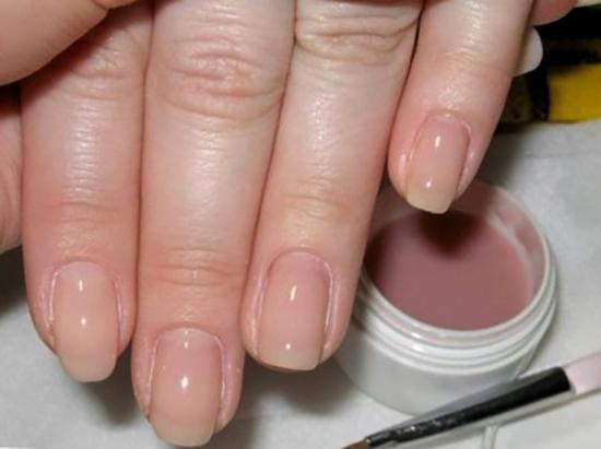 Использование геля для ногтей