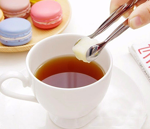Кусочек сахара в чай